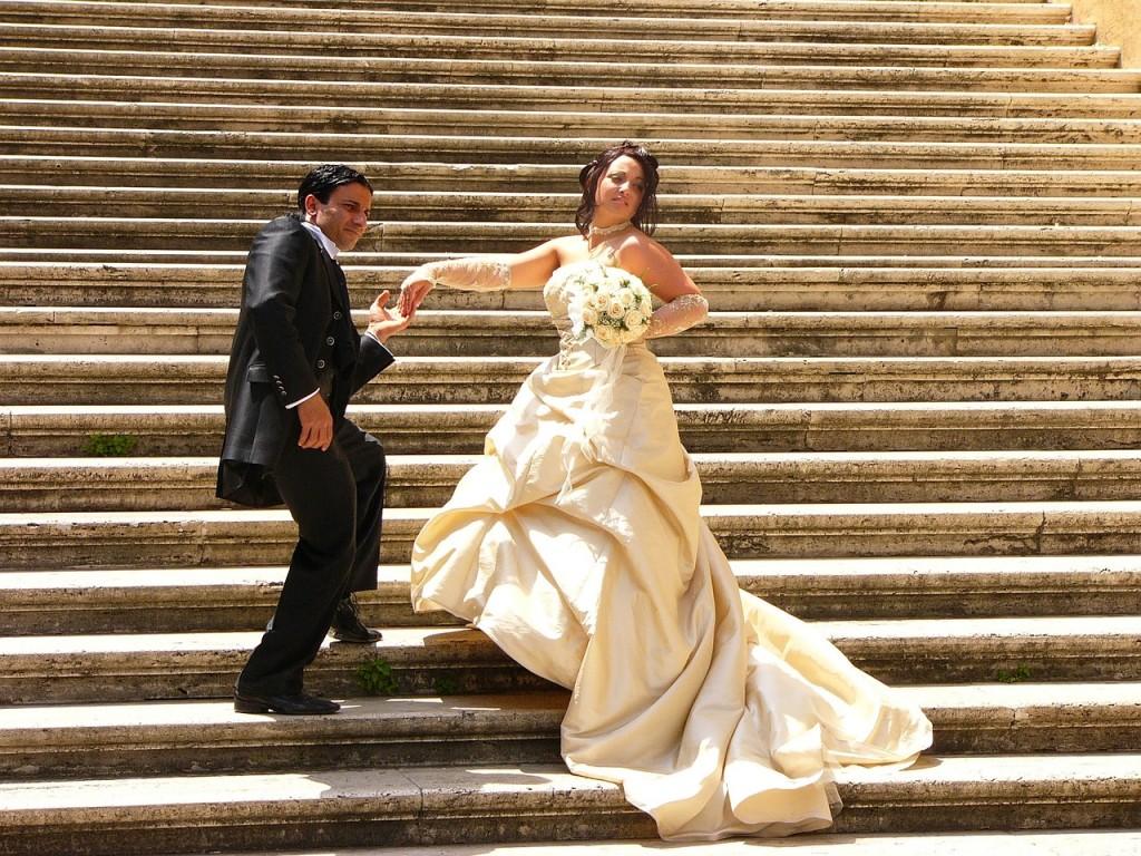 novios, escalera,boda, escalinata.